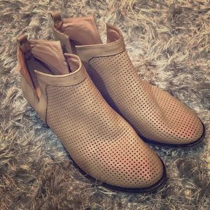 Restricted perforated booties